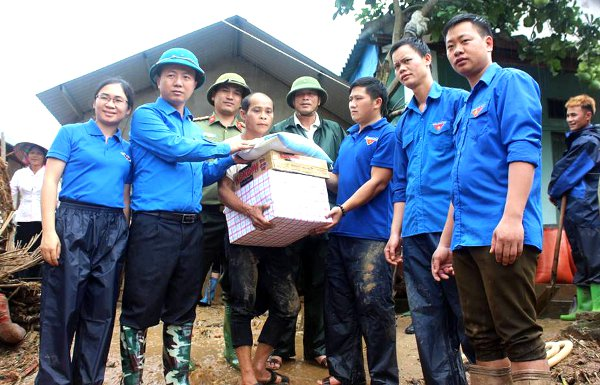 Tuổi trẻ Lai Châu tích cực tham gia khắc phục hậu quả sau mưa lũ